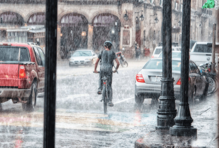 E Bike im Regen